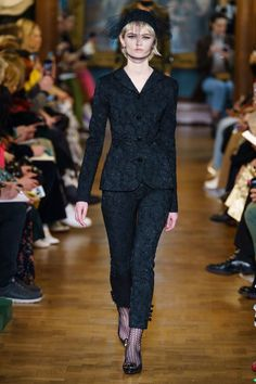 Erdem Fall 2019 Ready-to-Wear Collection - Vogue Vogue Paris, Lanvin, Fashion Week, Runway Fashion, London Fashion, Fashion Trends, Erdem Moralioglu, Exclusive Clothing, Looks Chic