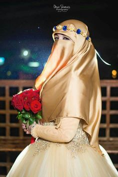 Indian Muslim Bride, Muslim Brides, Muslim Girls, Bridal Hijab, Hijab Bride, Bridal Dresses, Beautiful Muslim Women, Beautiful Hijab, Wedding Abaya