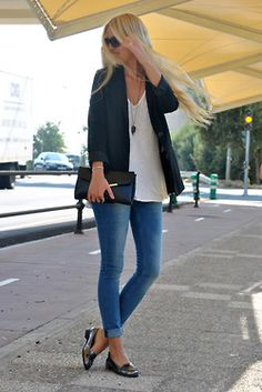 light blazer paired with great jeans, a comfy T, and loafers = spring/summer go-to