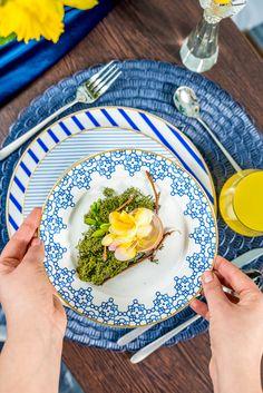 Lasă primăvara să pătrundă la masa ta cu cele mai fresh noutăți de porțelan! Descoperă seturi superbe în nuanța anului 2020, acum la Nobila Casa! Mai, Plates, Spring, Tableware, Kitchen, Blue, Licence Plates, Dishes, Dinnerware