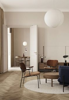 TDC: An Century Apartment Renovation by Lis Design Studio Apartment Renovation, Classic Furniture, Interiores Design, Cheap Home Decor, Home Decor Accessories, Home And Living, Simple Living, Interior Inspiration, Interior Ideas