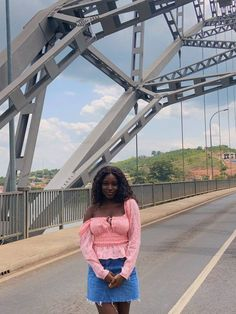 adomi bridge view_amoafoa Black Fashion Bloggers, Black Girl Fashion, Fashion Photography Inspiration, Style Inspiration, International Shopping, Formal Looks, Love Her Style, The Girl Who, Day Trip