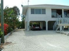 $875  2 BEDROOM, 1 BATH, CANAL-FRONT