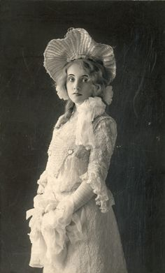STAGE ACTRESS: Laurette Taylor, 1905. She was a star from her first known performance on Broadway in The Great John Ganton in 1908 and built her reputation in such stage productions as The Ringmaster, Alias Jimmy Valentine, Seven Sisters, Lola Lola, The Bird of Paradise, and Peg o' My Heart, which ran on Broadway from December 20, 1912 to May 1914 (a total of 603 performances) cemented her fame and reputation with audiences as a skilled actress. [Wiki]