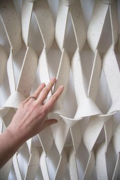 Meet Petra Vonk and her amazing work on textile experiments and design concepts in architecture and interior decoration projects, enjoy! Acoustic Wall, Acoustic Panels, Interior Design Elements, Modern Interior, Rope Art, Textiles Techniques, Diy Décoration, Fabric Manipulation, Sisal