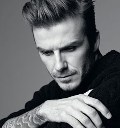 David Beckham is back, this time the superstar is captured for the latest edition of Man About Town by photographer Karim Sadli (Art + Commerce). Hair styling by Alain Pichon at Streeters. Beautiful Men, Beautiful People, David Beckham Style, Man About Town, Male Poses, Boy Poses, Black And White Pictures, Famous Faces, Sexy Men
