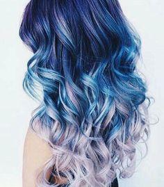Magnifique cheveux bleus dégradés http://amzn.to/2sD4nGX
