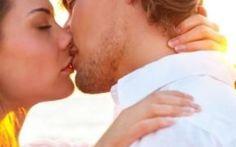 Dal perdere peso alla psiche passando per il cuore: tutti i benefici di baciare La Perugina ha promosso una ricerca che ha coinvolto un vasto campione di 4mila soggetti di diversa baciare salute