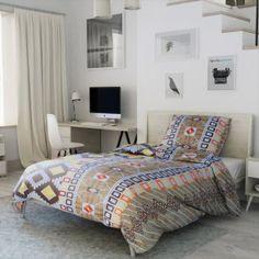 Krepové povlečení hnědé krémové žluté oranžové afrika ornament vzorované čtverec kostka originální Comforters, Blanket, Bed, Furniture, Home Decor, Africa, Creature Comforts, Quilts, Decoration Home