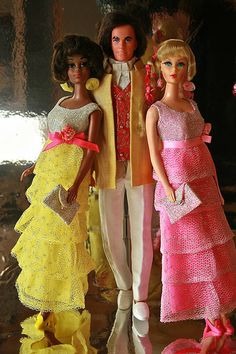 Af-Am Christie (gorgeous!), androgynous hippie Ken, and talking Barbie Sears Formal Complete 2 |