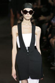 88 photos of Hussein Chalayan at Paris Fashion Week Spring 2010.