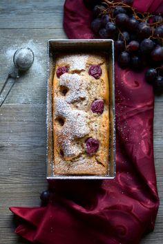 Plumcake integrale all'uva rossa