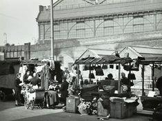 Market at Lower Marsh in Waterloo in Vintage Pictures, Old Pictures, London Metropolitan, Waterloo Station, London Market, Florence Nightingale, Greater London, Old London, London Photos