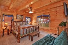 Dream View Manor - This 12 bedroom cabin has 11 king beds, 11 futons, 2 sets of queen bunks, and 2 single bunk beds!
