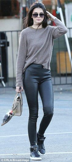 latest style outfits Kendall Jenner (27)