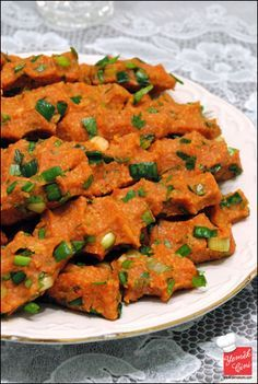 if you visit Turkey you have to try the patatesli kofte Appetizer Salads, Appetizer Recipes, Veggie Recipes, Salad Recipes, Mezze, Eastern Cuisine, Turkish Recipes, Organic Recipes, Pasta