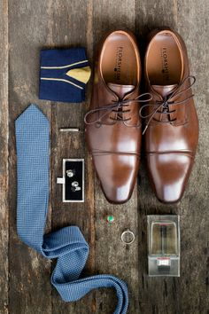 Grooms Details set The grooms wedding details #groom #layflat #flatlat #groominspo #groominspiration #groomsmen #groomfashion #wedspiration #weddedwonderland #mensfashion #groomfashion #hipsterwedding #hellomay #whitemagazine | Hilary Cam Photography #classicwedding #groomflatlay #groomlayflat #groomstyle #groomdetails #groom #weddingday #weddingdetails #groomgrid #outfitgrid #groomoutfit #hilarycamphotography