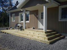 Pergola Over Garage Door Modern Backyard, Porch Steps, House With Porch, Outdoor Decor, House Entrance, Back Doors, Building A Deck, Diy Pergola, Front Door Plants