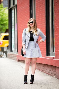 Outfits Girls With Big Breasts Can Wear - Clothes for Women With Large Busts