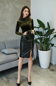 Have a Nice Day♥'s media statistics and analytics Black Leather Skirts, Leather Dresses, Sexy Outfits, Sexy Dresses, Fashion Outfits, Asian Fashion, Girl Fashion, Womens Fashion, Mode Latex