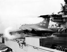 Buccaneer z na parním katapultu HMS ARk Royal, květen Blackburn Buccaneer, Royal Navy Aircraft Carriers, Hms Ark Royal, Fixed Wing Aircraft, Military Aircraft, Fighter Jets, Commonwealth, Spacecraft, Interesting Stuff