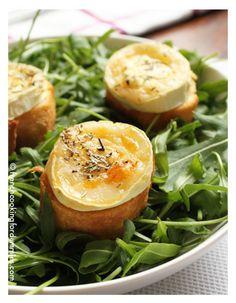 Warm goat cheese salad / Salade de chèvre chaud