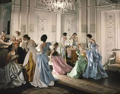 Eight models including Marilyn Ambrose, Dorry Adkins, Carmen Dell'Orefice…