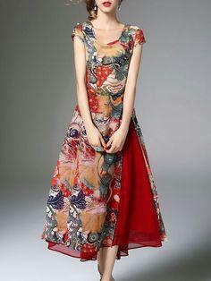 Vestido estampado de rosas confinado con gasa futsia