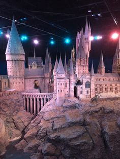 I didn't realise quite how much I loved Harry Potter until I completed the Warner Bros. Studio Tour London – The Making of Harry Potter. Harry Potter Studios, Harry Potter Films, Harry Potter Universal, Harry Potter World, Warner Brothers London, Warner Bros, Making Of Harry Potter, London Travel, Hogwarts