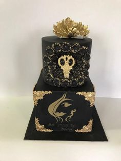 Elegant black&gold cake by GogasCakes