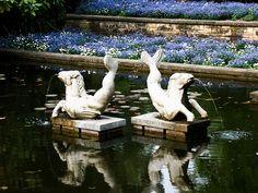 Fountain in park, Frankfurt, Germany. PICT0080LR Edit, via Flickr.