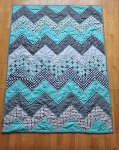 chevron fat quarter quilt @ DIY Home Crafts