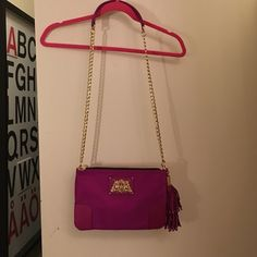 Juicy Couture crossbody bag Juicy Couture crossbody bag Juicy Couture Bags Crossbody Bags