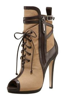 Oscar de la Renta Ankle Booties, Bootie Boots, Shoe Boots, Ugg Boots, Boot Heels, Ankle Shoes, Leather Booties, Cute Shoes, Me Too Shoes