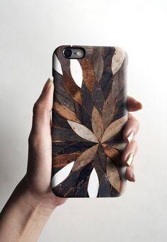 Wooden leaf design on phone case