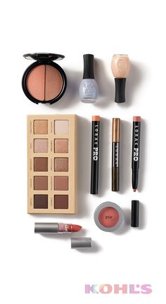 These are the must-haves for a natural spring look. Say goodbye to dark, heavy colors and hello to earth tones, pastels and lightweight layering!