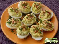 Jajka faszerowane pastą z awokado Avocado Egg, Easter Recipes, Cucumber, Zucchini, Brunch, Food And Drink, Appetizers, Menu, Cooking Recipes