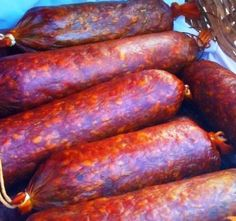 Házi füstölt szalámi, a böllér régi bevált receptje szerint! Salami Recipes, Homemade Sausage Recipes, Healthy Cooking, Cooking Recipes, Healthy Recepies, Romanian Food, Hungarian Recipes, Clean Recipes, Christmas Baking