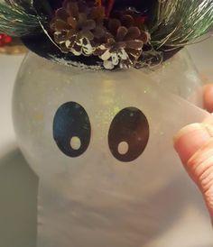 DIY Snowman with Glitter and Lights: Easy Fishbowl Snowman! - Leap of Faith Crafting Cricut Christmas Ideas, Snowman Christmas Decorations, Snowman Crafts, Christmas Centerpieces, Diy Christmas Gifts, Christmas Projects, Holiday Crafts, Dyi Crafts, Glitter Decorations