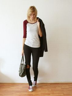 H&M Coloured Sleeves Top, H&M Oversized Blazer, Topshop Jeans, Sps Old Green Bag, Converse Burgundy All Stars Converse All Star, Maroon Converse Outfit, Outfits With Converse, Converse Burgundy, Fall Outfits, Casual Outfits, Fashion Outfits, Casual Wear, Moda Skate