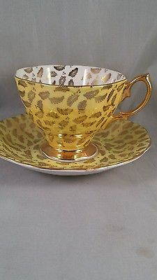 Royal-Albert-English-Bone-China-Teacup-Saucer-green-gold-leaves-Chintz-style