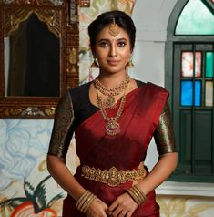 South Indian Wedding Saree, Indian Wedding Gowns, Indian Bridal Sarees, Indian Bridal Outfits, Indian Bridal Fashion, Half Saree Designs, Fancy Blouse Designs, Bridal Blouse Designs, Traditional Blouse Designs