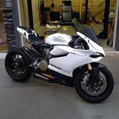 A beast @blakereiter #Ducati #1199 #BikeKingz