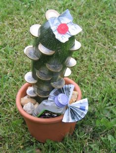 """Well, if that's not a good idea for a cash gift to something """"prickly"""" to ...  -  #cash #gift #good #idea #prickly #that39s  -     Well, if that&#03 Diy Birthday, Birthday Presents, Happy Birthday, Birthday Ideas, Presents For Men, Gifts For Him, Holiday Break, Diy Beauty, Diy Gifts"""