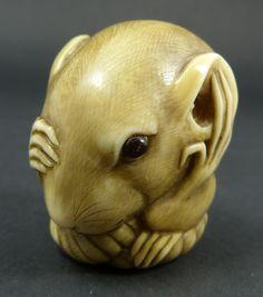 Netsuke rat with inlaid eye antique hand carved japanese ivory