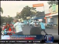 Residentes en un barrio se enfrentan a la trompa con los dueños de bares #NoticiasTelemicro #Video - Cachicha.com