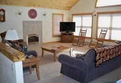 Grand View Salida (Colorado) Set 19 km from Monarch Crest Tramway in Salida, this holiday home features a terrace with mountain views. The unit is 20 km from Pioneer. The kitchen has a dishwasher. A TV is featured. There is a private bathroom with a bath or shower.