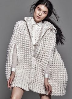 A Simple Truth - Chinese beauty Sui He wears trend of textural, neutral-coloured pieces by the likes of Calvin Klein, Maison Martin Margiela, Delpoz, & Helmut LangSui He por Chris Colls para The Edit Novembro 2014 [Editorial]Knit Dreams from MitiMotaScieg Knitwear Fashion, Crochet Fashion, Knitted Cape, Collage Vintage, Mode Editorials, Editorial Fashion, Fashion Trends, Fashion News, Latest Fashion