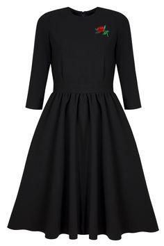 sukienka rozkloszowana czarna z roza
