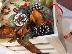 Ζαχαροπλαστείο Μελίνα Christmas Wreaths, Holiday Decor, Home Decor, Christmas Swags, Room Decor, Home Interior Design, Decoration Home, Christmas Garlands, Advent Wreaths